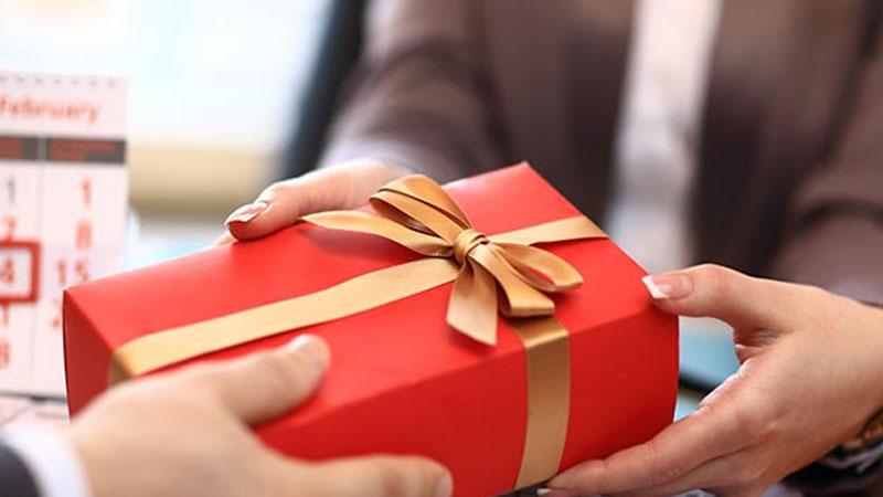5 เหตุผลที่ผู้ประกอบการควรเลือกใช้ ของขวัญพรีเมี่ยมในการปิดการขาย